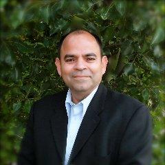 Elias Lozano